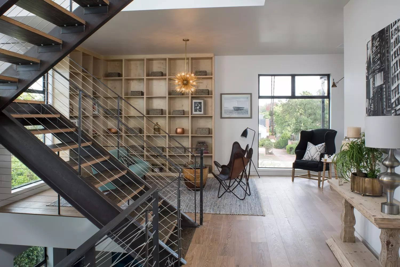 Uma casa moderna em los angeles design innova for Casa moderna and design