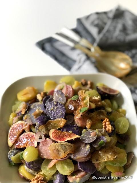 Kartoffelsalat mit Trauben,Feigen und Nüssen