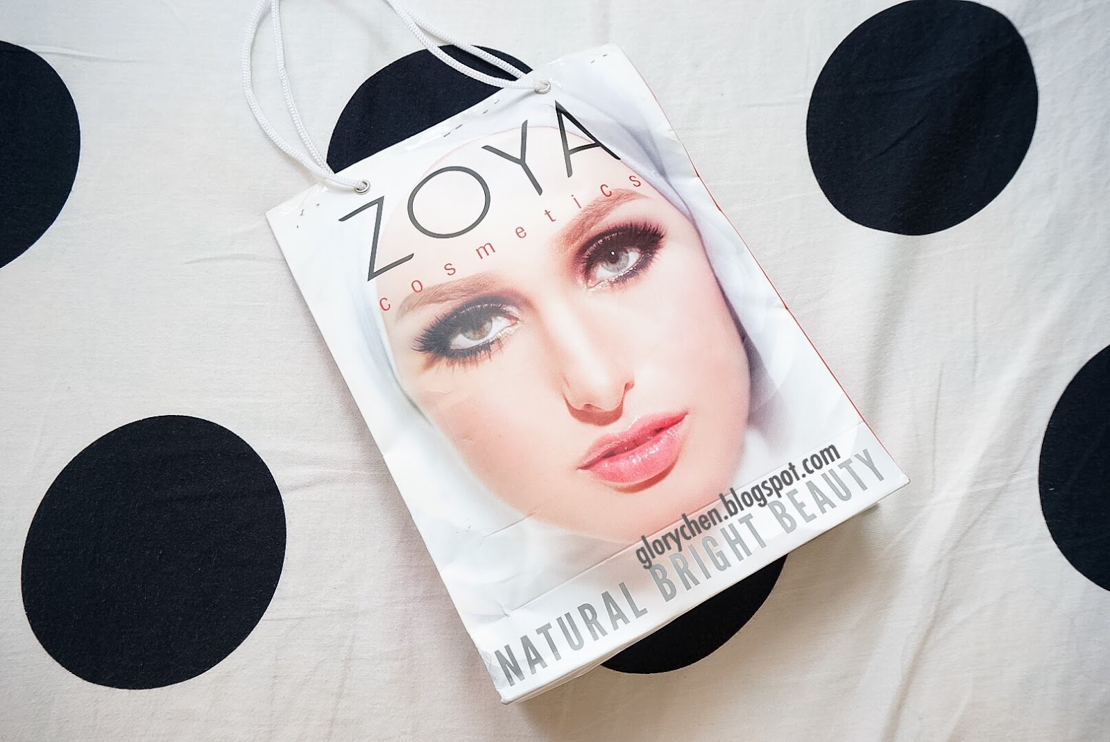 Zoya Lip Paint Pure Red Ultimate Eyeliner And Coloring Cosmetics Natural Beauty Atau By Nature Adalah Target Dari Dalam Memasarkan Produk2 Kosmetiknya Agar Wanita Indonesia Bisa Tampil Lebih Percaya Diri