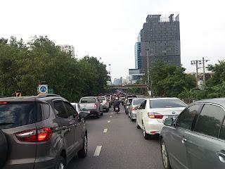 エカマイ渋滞