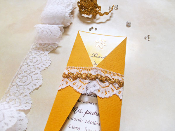 como aplicar papel foil con estencil
