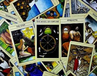ilmu astrologi, astrologi, ramalan, hasil ramalan astrologi, kartu tarot, perkembangan ilmu astrologi, perkembangan astrologi, sejarah astrologi