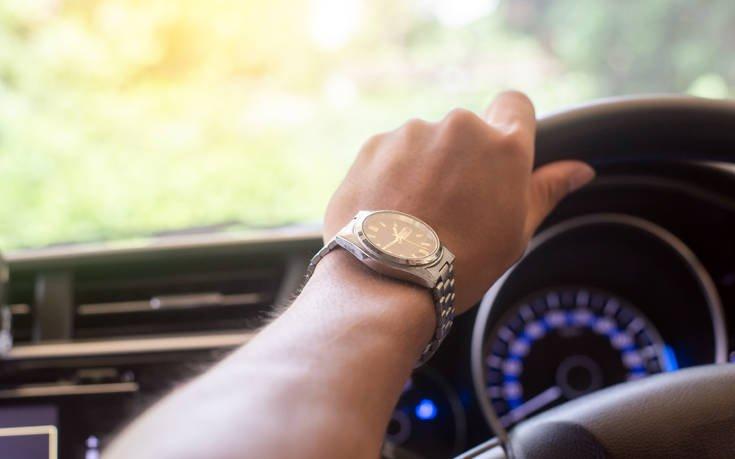 Το συνηθισμένο λάθος με το λαμπάκι στο αυτοκίνητο