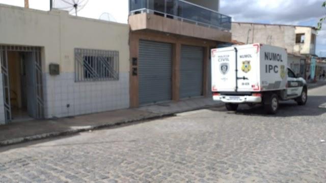 Idosa de 78 anos é encontrada morta dentro de casa em Belém, PB