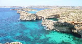 Laguna Azul o Blue Lagoon, isla de Comino, Malta.