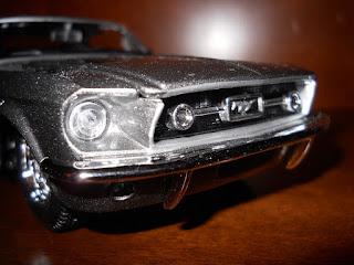 emblema ford mustang