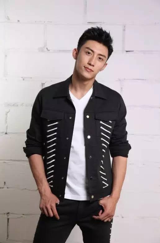 Johnny Huang 10