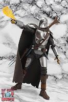 S.H. Figuarts The Mandalorian (Beskar Armor) 48