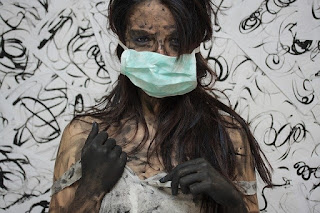 woman-displaying-insanity