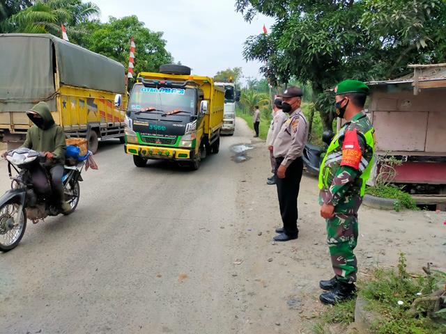 Kompak Personel Gabungan Laksanakan Operasi Aman Nusa II Bersama Dinas Terkait Dan Personel Jajaran Kodim 0207/Simalungun