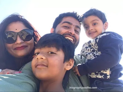 Arijit Singh Family Photo