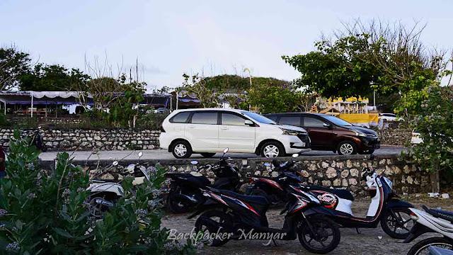 Area parkir Pantai Geger Bali