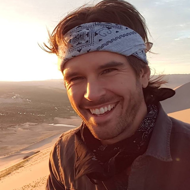 Graham Wardle wife, allison wardle, married, age, wedding, height, net worth, how old is, how tall is, married to alison, leaving heartland, amber marshall and, and wife, movies and tv shows, amber marshall, supernatural, is leaving heartland, instagram, who is he married to
