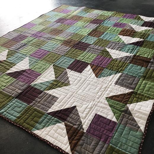 Sawtooth Sunburst Quilt Free Pattern