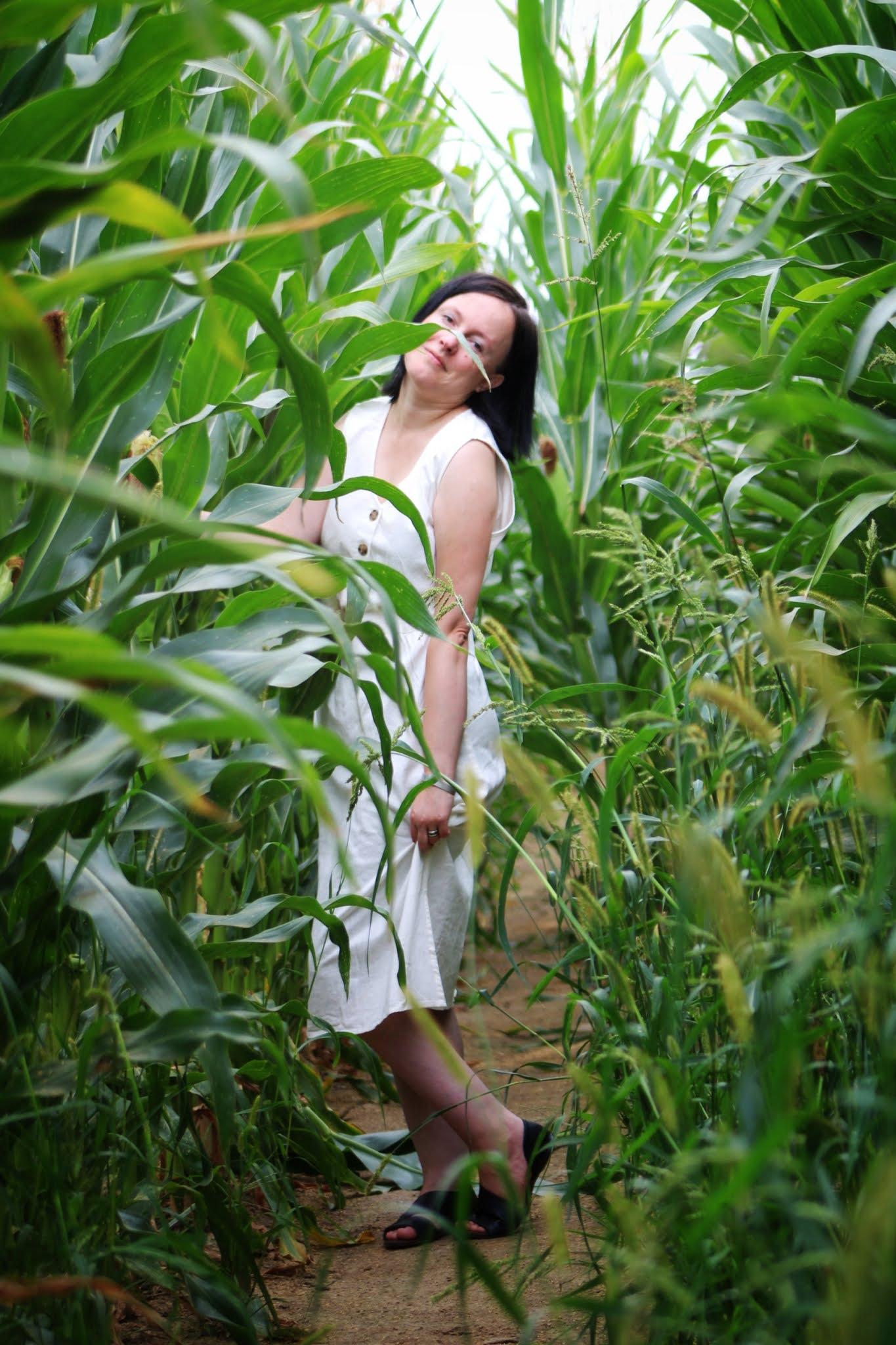 Bonprix Sukienka lniana midi z plisą guzikową