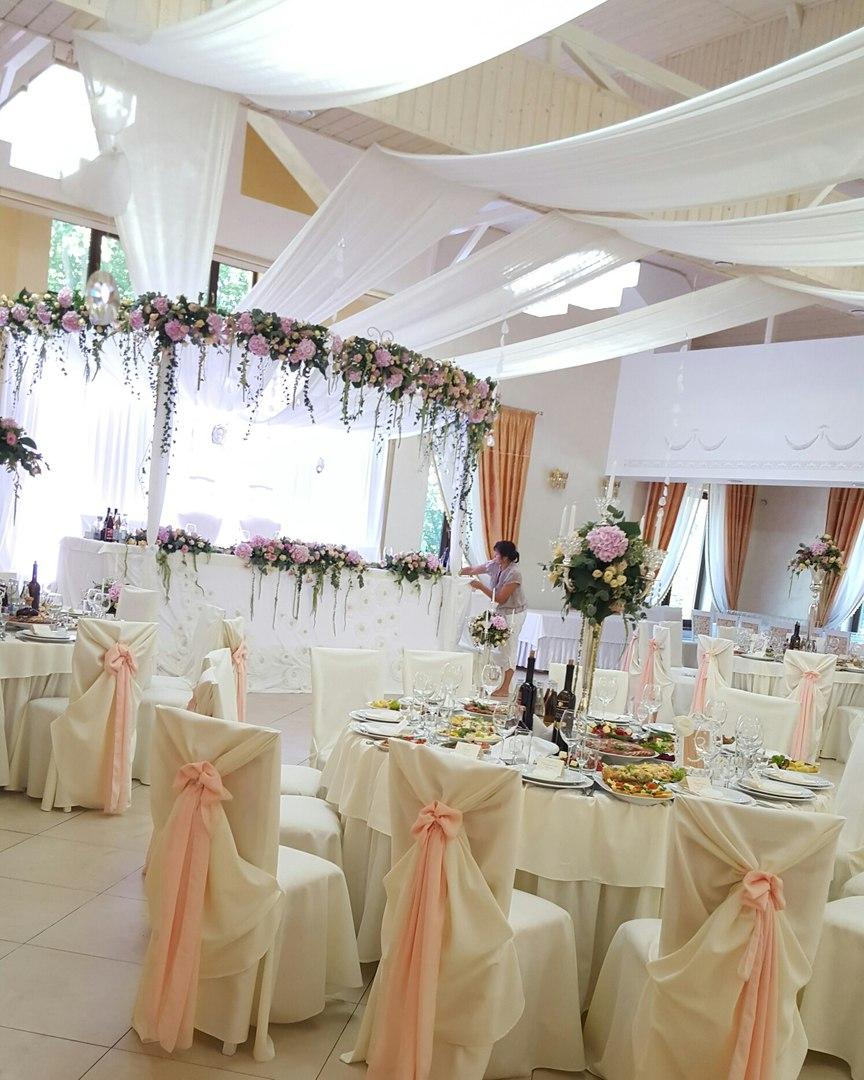 Ресторан  Микулин приймає замовлення на проведення весіль (до 320  чоловік) 407038fe0d4a2