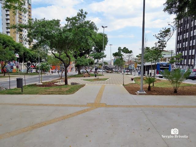 Vista ampla da Praça Margarida de Albuquerque Gimenez - Santana - São Paulo