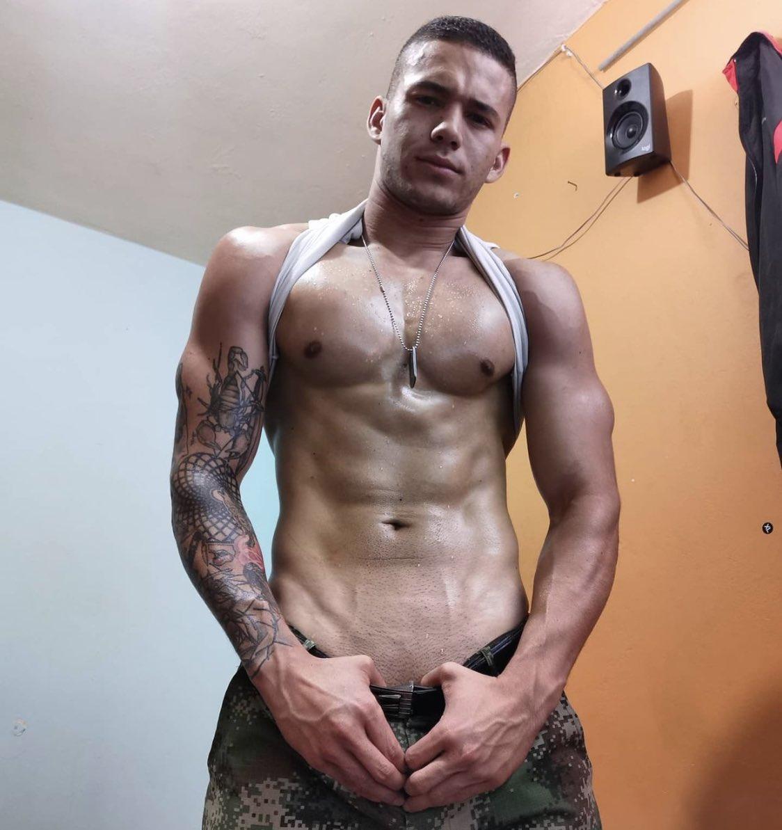 militar sexy