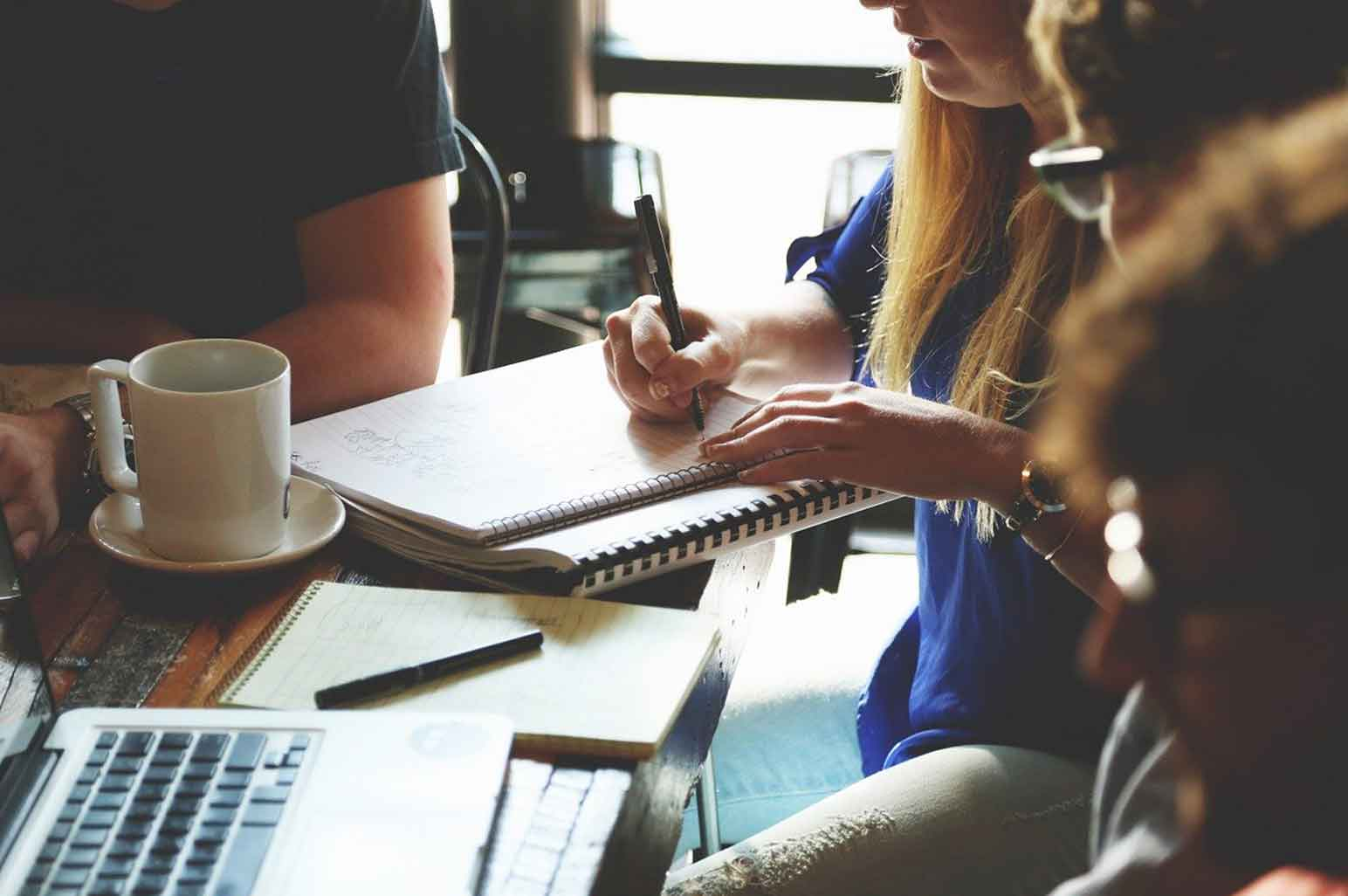 Student's Guide to Communication: How to Handle  a Group Project