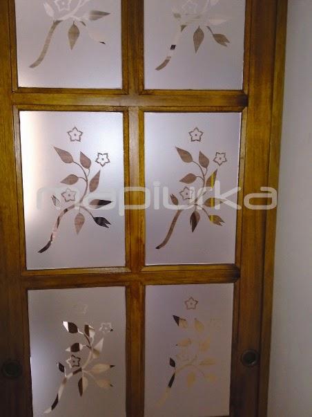 Mapiurka adhesivos decorativos ba esmerilados en casa - Decorar cristales de puertas ...