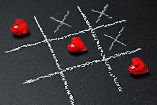 tic-tac-toe-heart-game-chalk-love
