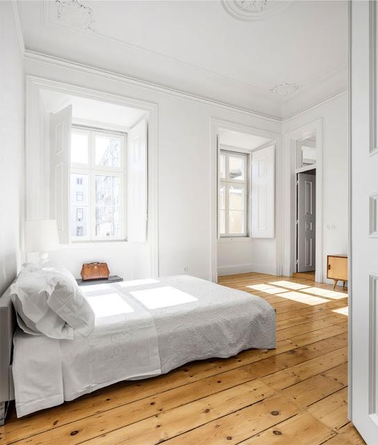Дизайн проекты. Современный минималистический дизайн в историческом здании 19 века.