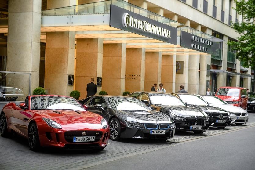 intercontinental d sseldorf mit exklusivem auto service g ste k nnen mit sixt luxury cars auf. Black Bedroom Furniture Sets. Home Design Ideas