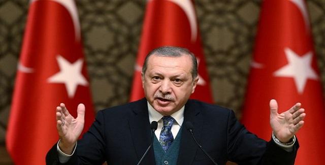 Έκκληση Ερντογάν: Μετατρέψτε τα ευρώ και δολάρια σε λίρες