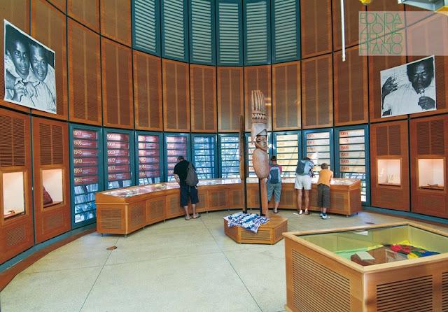 Architettura Contemporanea Renzo Piano Centro Culturale Jean Marie Tjibau Oceanea i grandi maestri dell'architettura interno mostre sale