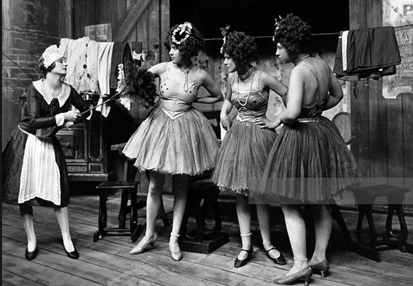 "Tallulah Bankhead with three chorus ""girls"" in the play The Garden of Eden, circa 1927"