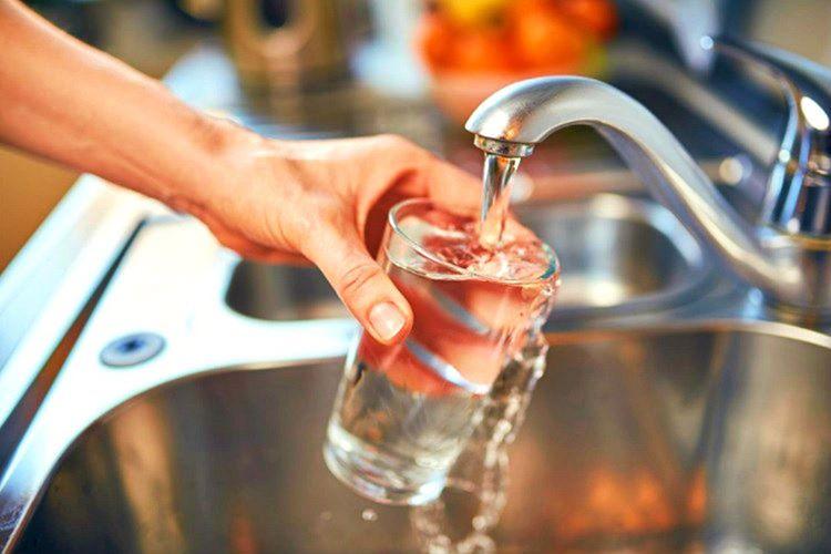 Musluk suları şişede satılan sular kadar lezzetlidir, ülkedeki sıcaklık aşağı yukarı -63 derecedir.