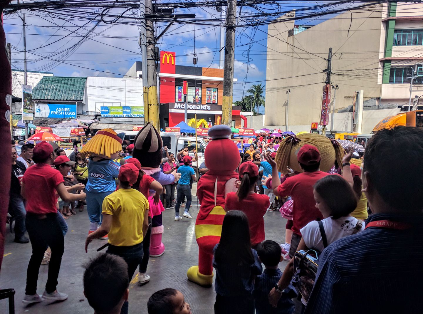 McDonald's Opened a Branch Near Jollibee and What the Jollibee Crew Did to them Was Savage!