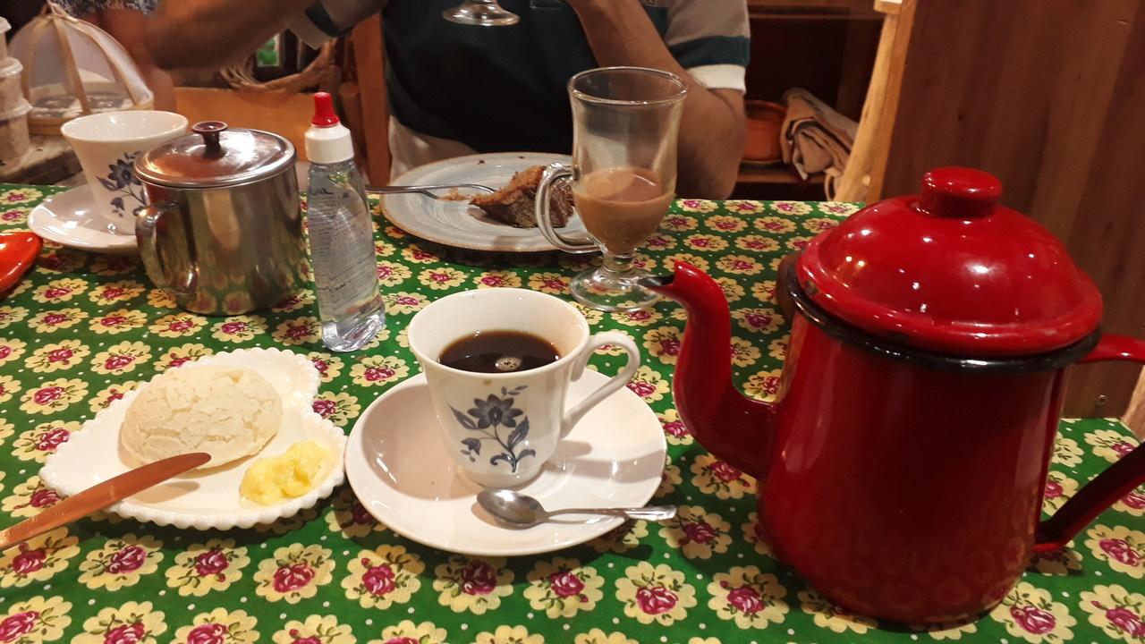 Lanche no Café Mineiro - Visconde de Mauá