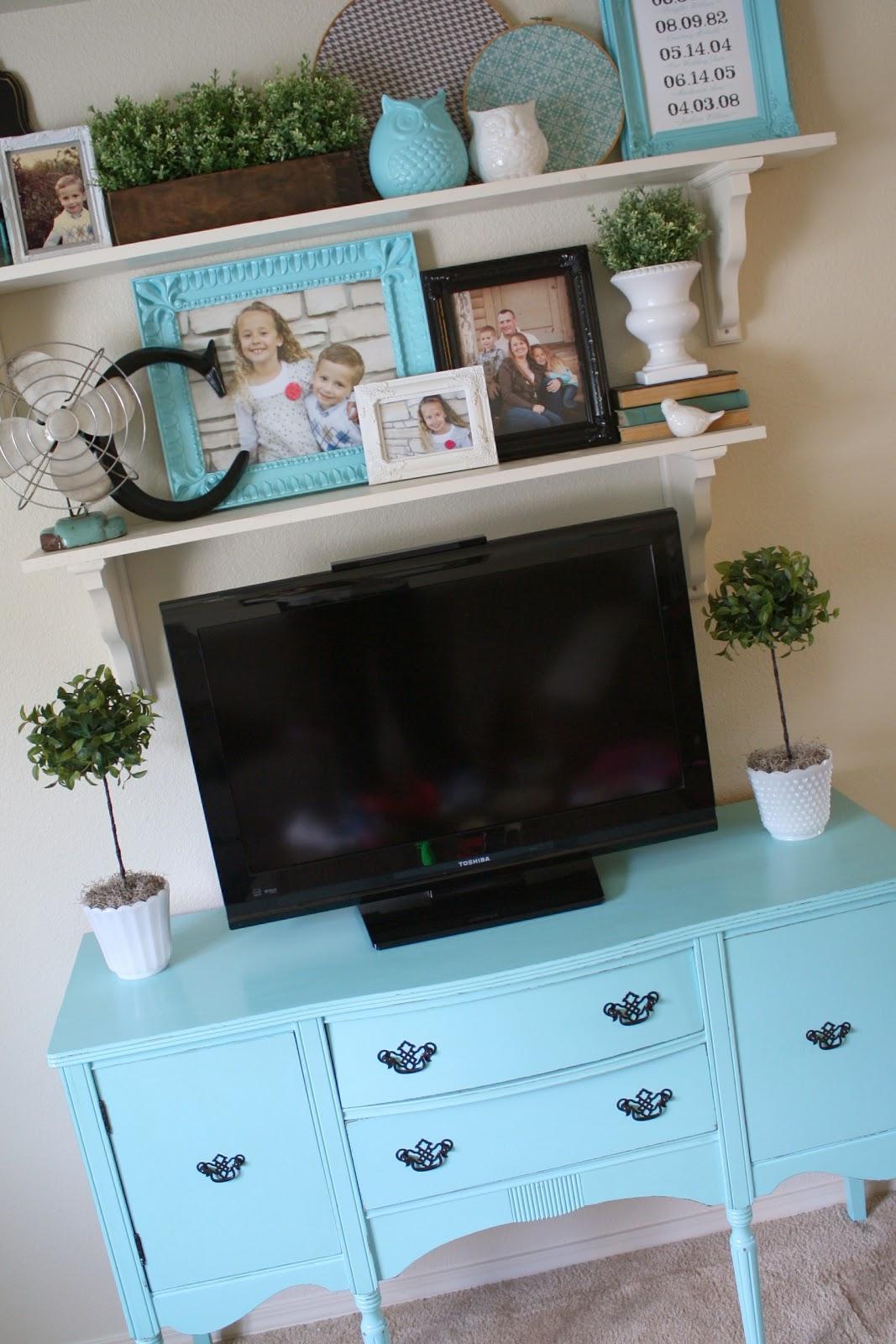 Shelves In The Living Room: Living Room Makeover {Open Shelving}