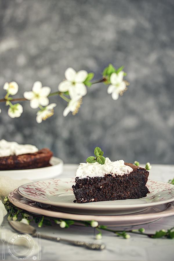 Čokoladni kolač bez brašna