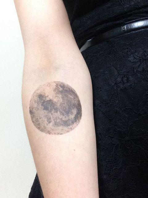 tatuagens femininas da lua