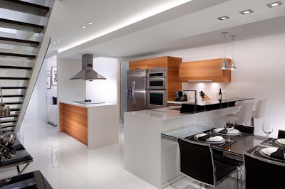 Kemilau Ruang Makan Modern Samping Dapur Mini