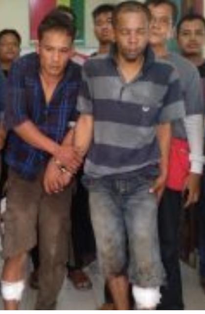 Kedua tersangka perampokan di Asahan yang ditembak polisi.