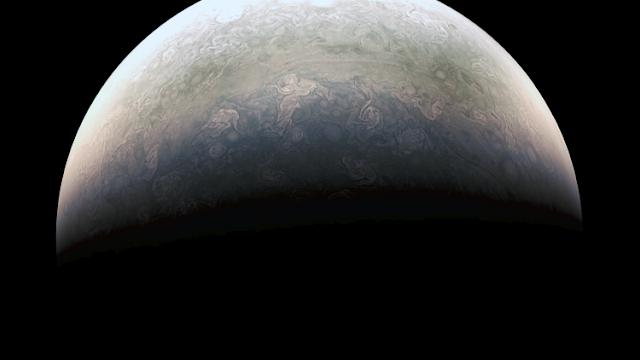 """NASA: Las fotos que llegan desde Júpiter """"no se parecen a nada de lo visto"""""""