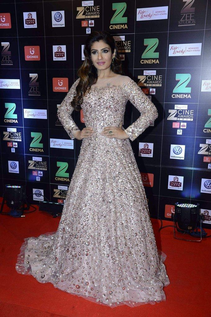 Raveena Tandon At Zee Cine Awards In Pink Dress
