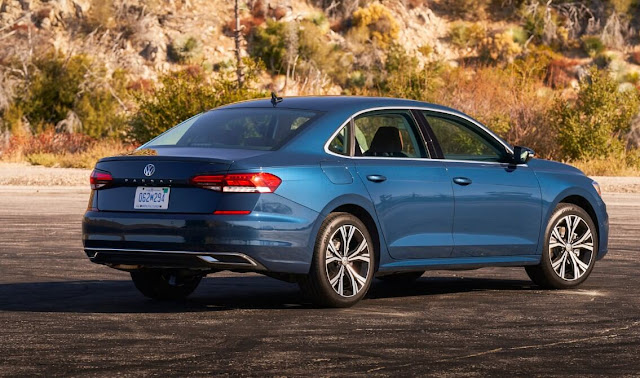 vw-passat-2020-taillights-and-wheels