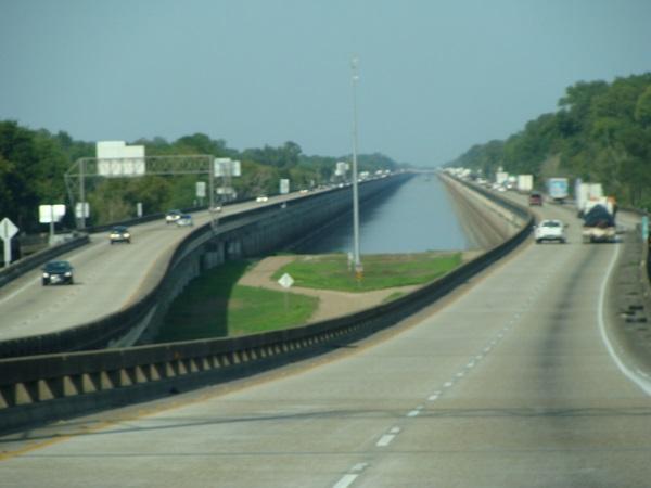 Fahrt durch Louisiana in Richtung Baton Rouge in 2012