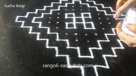 Very-easy-rangoli-with-dots-pics-1ai.png