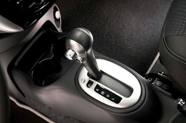 Nissan Versa 2017 CVT Automático - interior