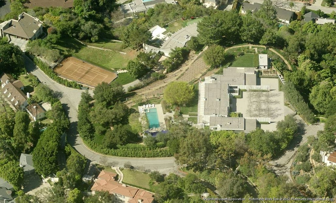 A higher aerial view of Jennifer Aniston's house in Los Angeles, California