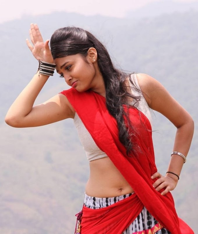 Hot Saree Below Navel Images, Aunty Saree Below Navel Photos,