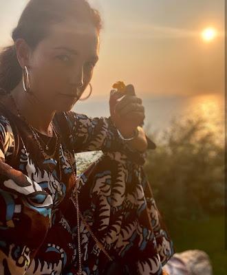 Caterina Balivo foto tramonto 23 agosto