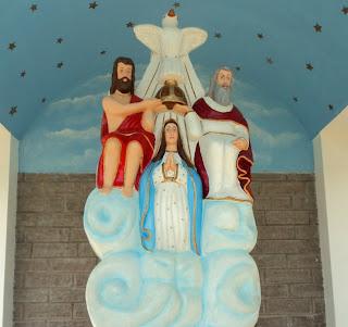 Capitel Divino Pai Eterno, em Vila Flores, RS