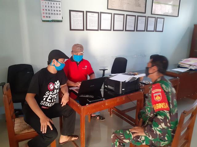 Mempererat Kemanunggalan TNI-Rakyat  Babinsa Koramil 21 Juwiring Anjangsana Ke Warga Desa