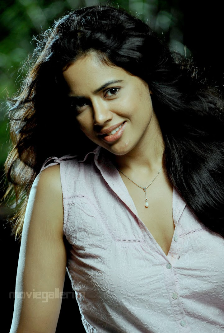 Asin Sameera Reddy Sexy Figure Pictures-2256